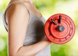 Какое лучшее время для занятий фитнесом для женщины?