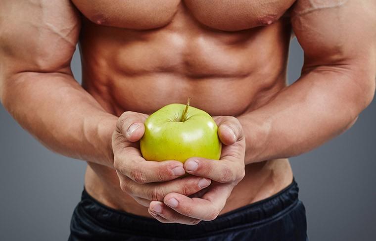 Спортсмен с яблоком
