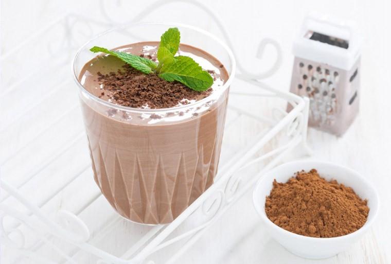 Протеиновый коктейль с творогом и какао